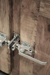 exotique - SG-101 - bufet, lemn si metal, 99x49x202cm, detaliu - 3500ron (536x800)