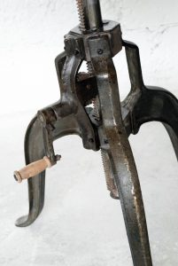 exotique - SG-116- masa reglabila, angrenaj metal, 75x74-100cm, detaliu - 2060ron (536x800)