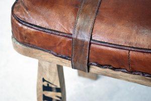 exotique - SG-121- taburet, lemn si piele, 55x30x50cm, detaliu - 650ron (800x536)