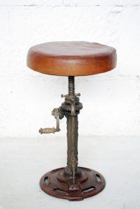 exotique - SG-123 - scaun reglabil, fier forjat si piele, 30x50-70cm - 890ron (536x800)